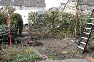 In Boskoop een overkapping gemaakt in de achtertuin.